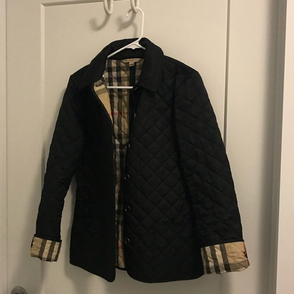 ae5f692afed6 Burberry Jackets & Blazers - Burberry women's quilted jacket!